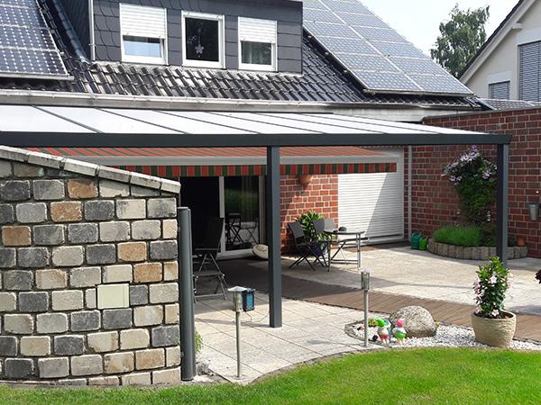 Terrassenüberdachung mit Glasdach